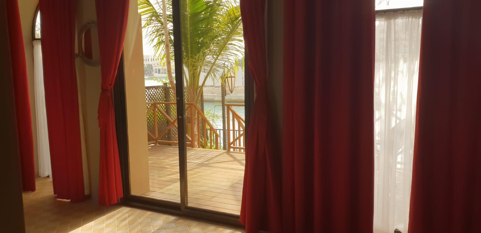 Beautiful Semi-furnished 3 Bedroom Villa in Amwaj!