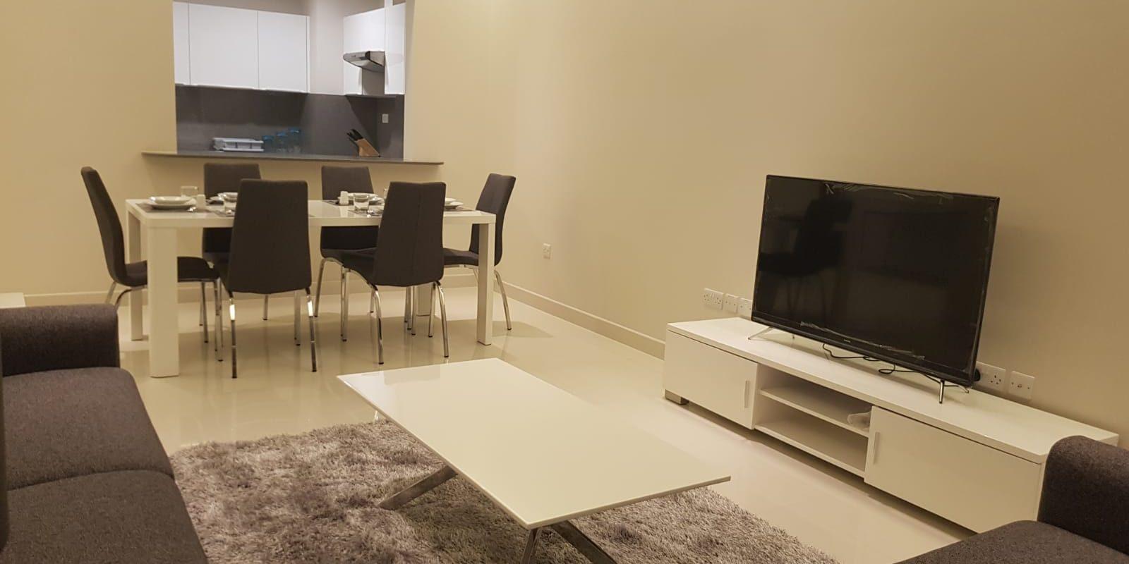 Luxurious 2 Bedroom Apartment in Busaiteen!