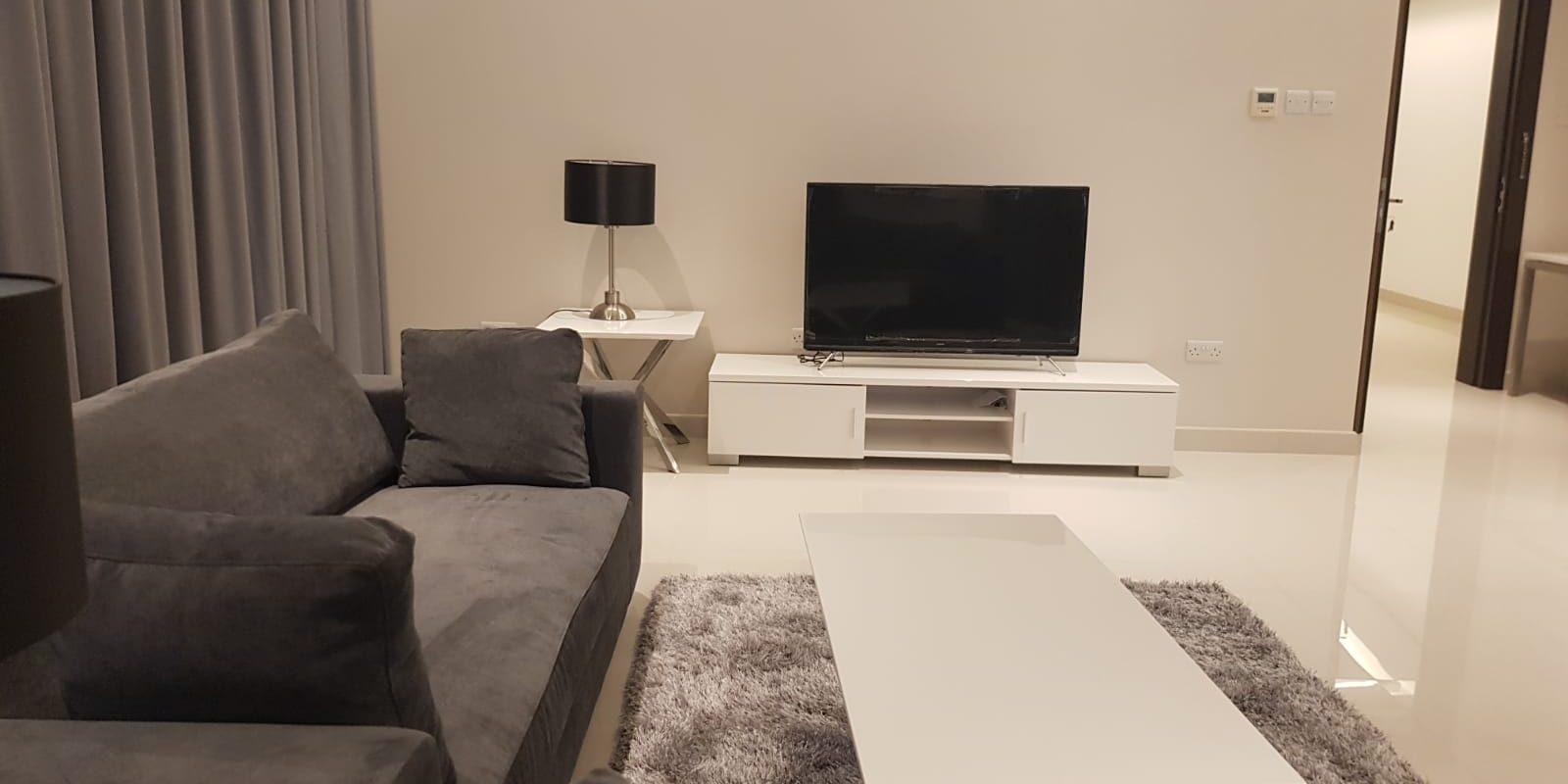 Amazing 1 Bedroom Apartment in Busaiteen!